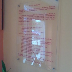 Víztiszta fólia, Átlátszó nyomtatott matrica