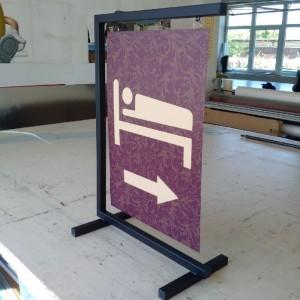 Horganyzott vaslemez, fém, alu reklámtábla (fali vagy lábon álló)